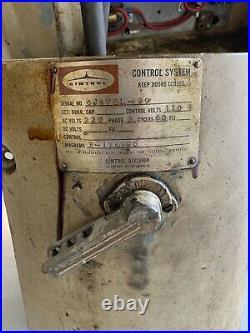 Cincinnati Toolmaster Vertical Millling Machine