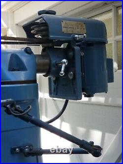 Clausing 8520 Milling Machine Vertical Mill with Power Feed Vise Collets Excellent