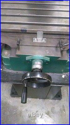 Grizzly Mill/Drill/Tapping Machine