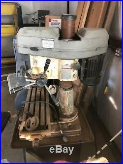 Jet 18 #JMD-18 Bench Top Milling/Drilling Machine withCS-18 Pedestal 150-3000 RPM