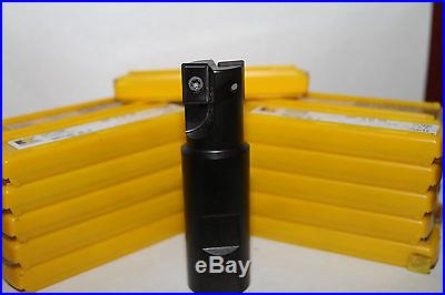 Kennametal end mill with 104 inserts