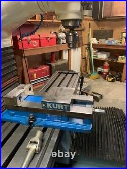 ProtoTrak DPM S3 CNC Bed Mill